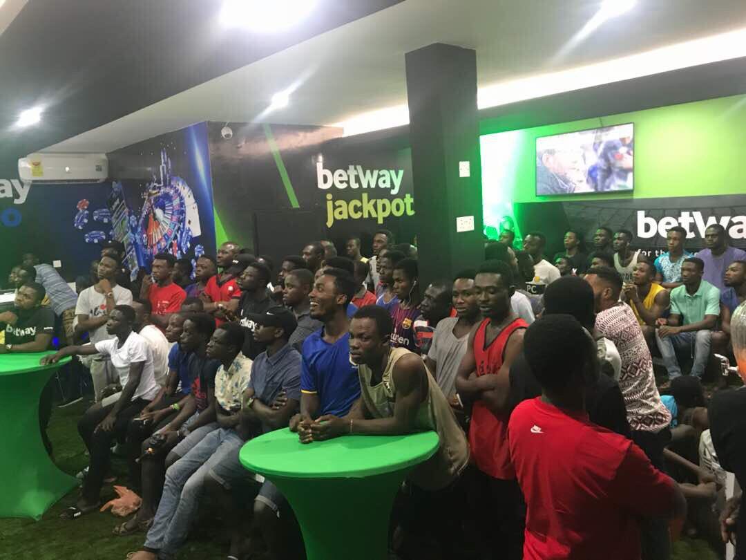 Throwback !!! Last night in Kumasi #betw...