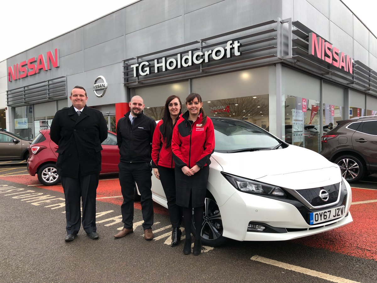 Huge thanks to Bird at @Holdcroft_Group in Crewe for warming us up in the cold, and to the team for having us! #SimplyAmazing #Nissan #LEAF https://t.co/gQtaJdlTZi https://t.co/YYHdsR4yHP