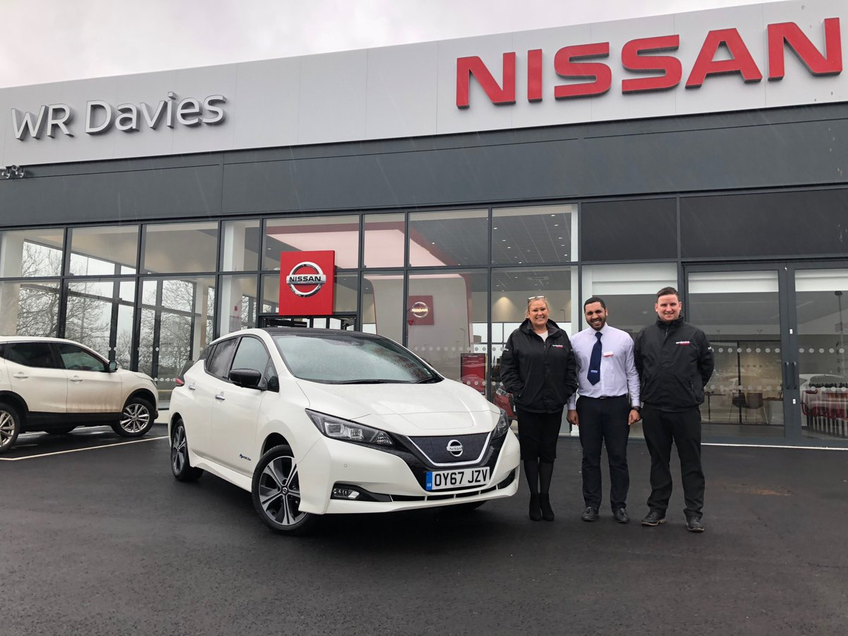 The stunning new @WRDaviesNissan in Stafford was our next stop on the #Nissan #LEAF tour, thanks for having us! https://t.co/gQtaJdlTZi https://t.co/FHbNTpgF8T