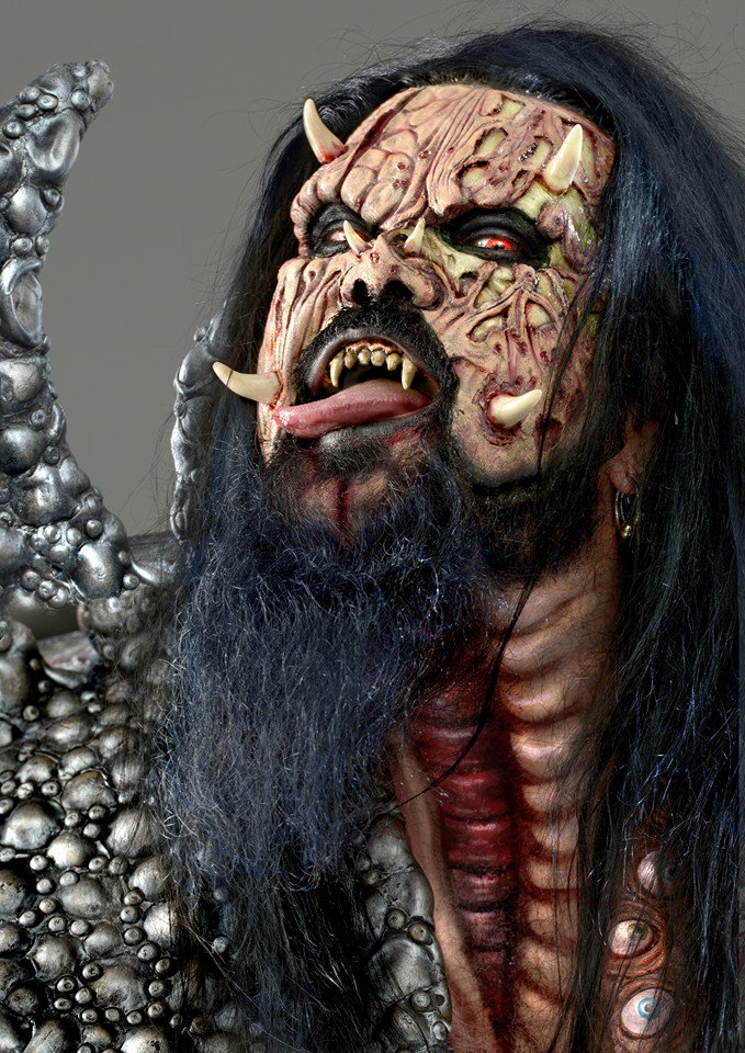 A big, loud and obnoxious Happy Birthday to the monster, the myth, the legend - Mr Lordi! #hughimhardcore https://t.co/LaLO8GfdGL