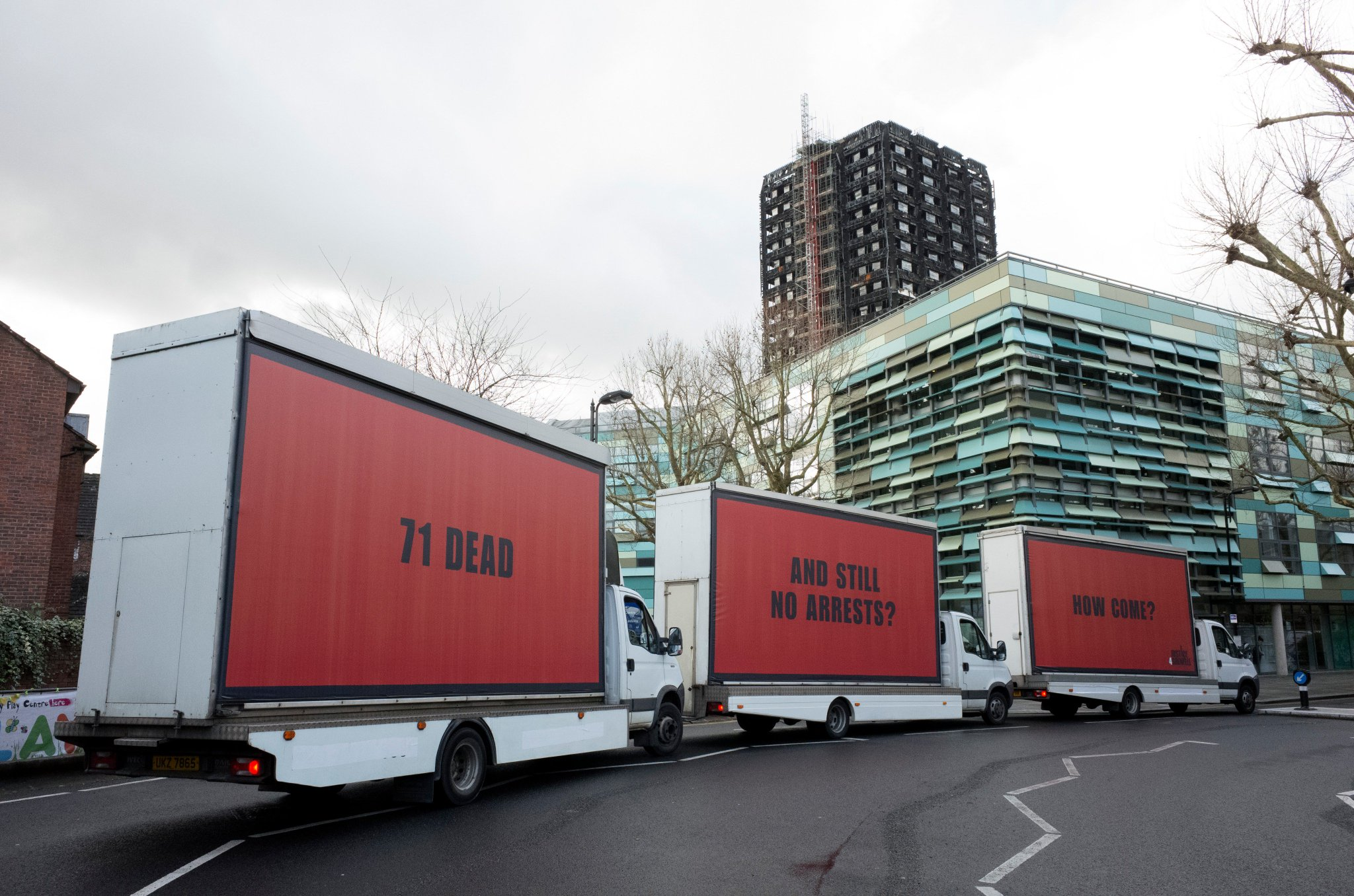 RT @BBHLabs: 3 BILLBOARDS OUTSIDE GRENFELL TOWER, LONDON https://t.co/c3Bah13opn #Justice4Grenfell https://t.co/QvhWxPUBQl
