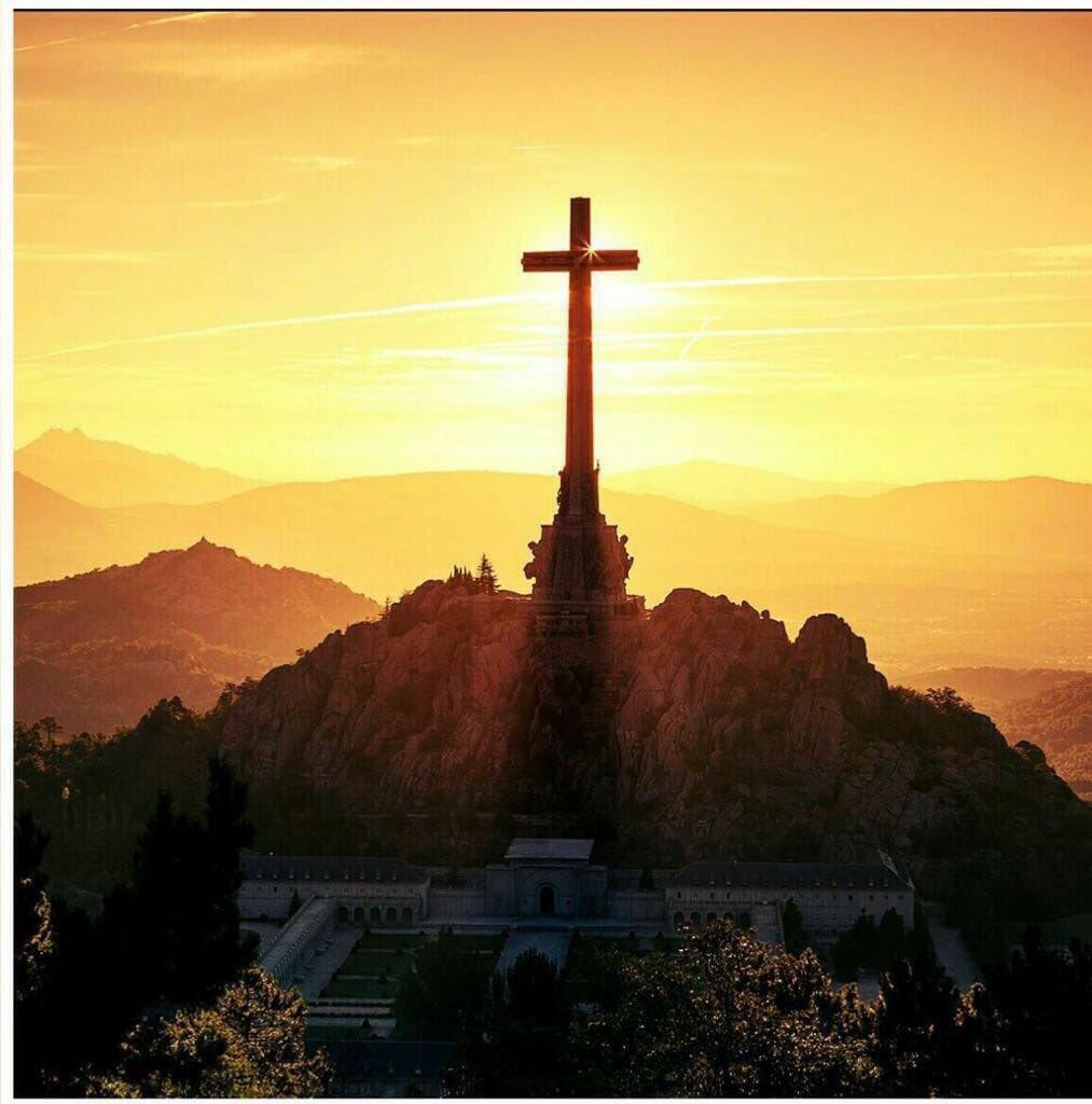 El Valle de los Caídos DWFe469X4AEFRW-