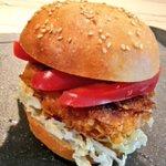 Crispy-Chicken #Burger mit süß-saurer Chilisauce  #cornflakes #aachen_kocht #Lecker 🐔🍔