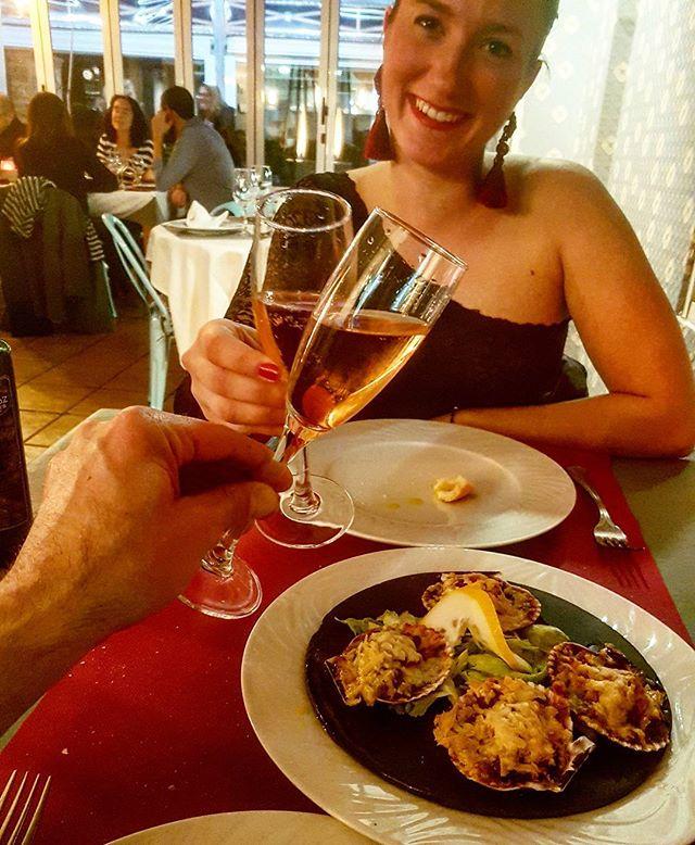 Brindando con un cava espectacular! #sumarroca y en uno de los restaurantes con más personalidad de la playa de Gandia  #Yobrindoporti 📷: @yobrindoporti