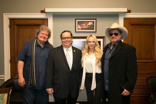 Discussing the Music Modernization Act with songwriters from the @NMPAorg. Thanks for stopping by and performing some of your songs!