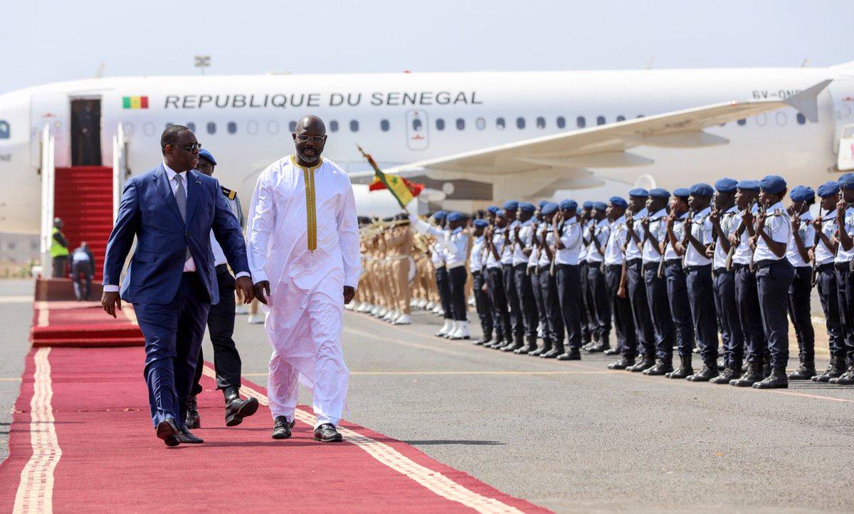 Heureux d'accueillir au Sénégal mon homologue du Libéria @GeorgeWeahOff, quelques jours après son investiture. Ensemble, nous impulserons une nouvelle dynamique dans les relations déjà très fortes qui lient nos deux pays 🇸🇳🇱🇷