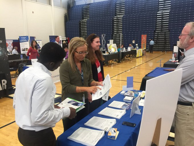 The 2018 @UISedu Career Connections Expo is underway at TRAC. More than 125 employers are here. The community is invited to come and participate. Open until 2:30 p.m. https://t.co/qJrnAJRKTe