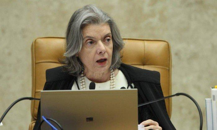 Cármen Lúcia mantém suspensão da posse de Cristiane Brasil como ministra. Para presidente do STF, a questão sobre o afastamento deve ser decidida pelo plenário da Corte.