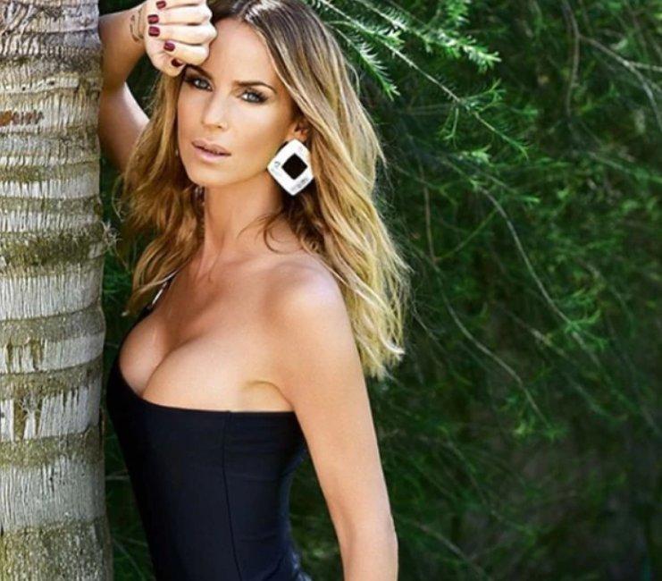 Sabrina Rojas Nude Photos 81
