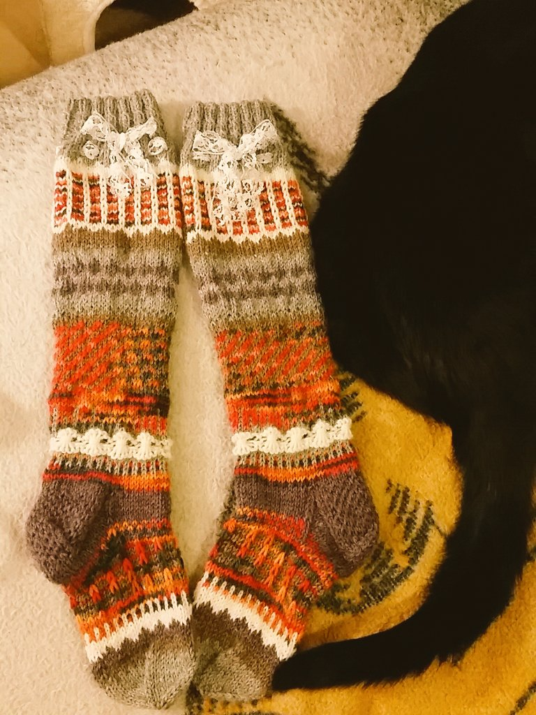 wyspinners-socks_retouch-0114_sininen.jpg