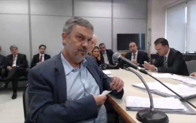 Desembargador nega pedido de Antonio Palocci para ser ouvido no TRF-4 → https://t.co/LFvTRP5vhi