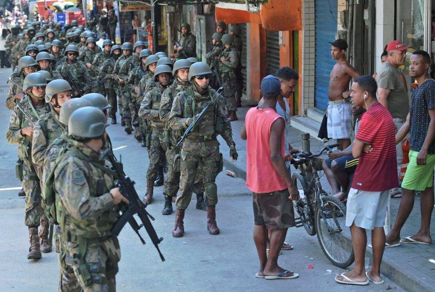 URGENTE: Governo federal fará intervenção na segurança do Rio https://t.co/71LUJynnoc -via @colunadoestadao