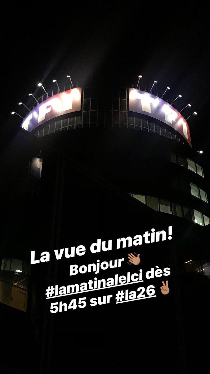 3:43...Bonjour!!!! 😜😉☕️ https://t.co/DuX...