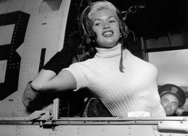 Jayne Mansfield, 1957 #histoire #cinema pic.twitter.com/2jSAwkviGc