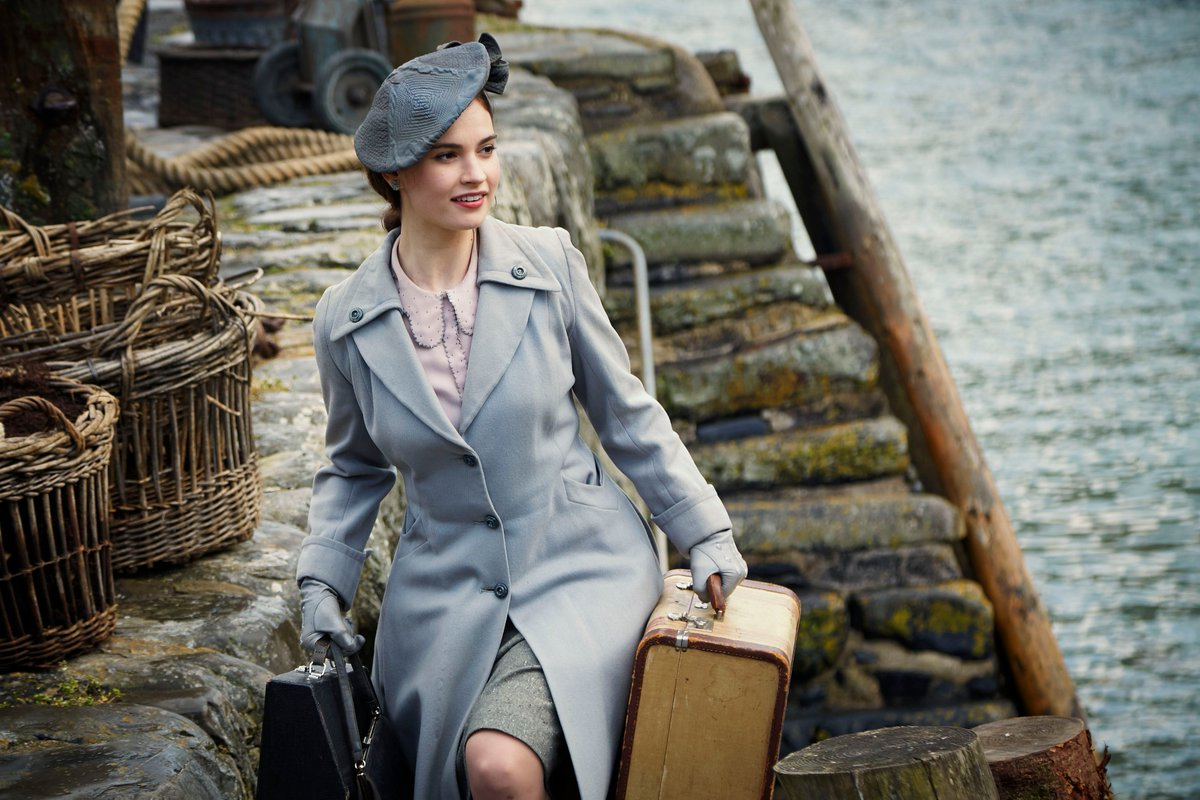 The Guernsey Literary & Potato Peel Pie Society de Mike Newell - Page 4 DWJSqesVAAEliJg