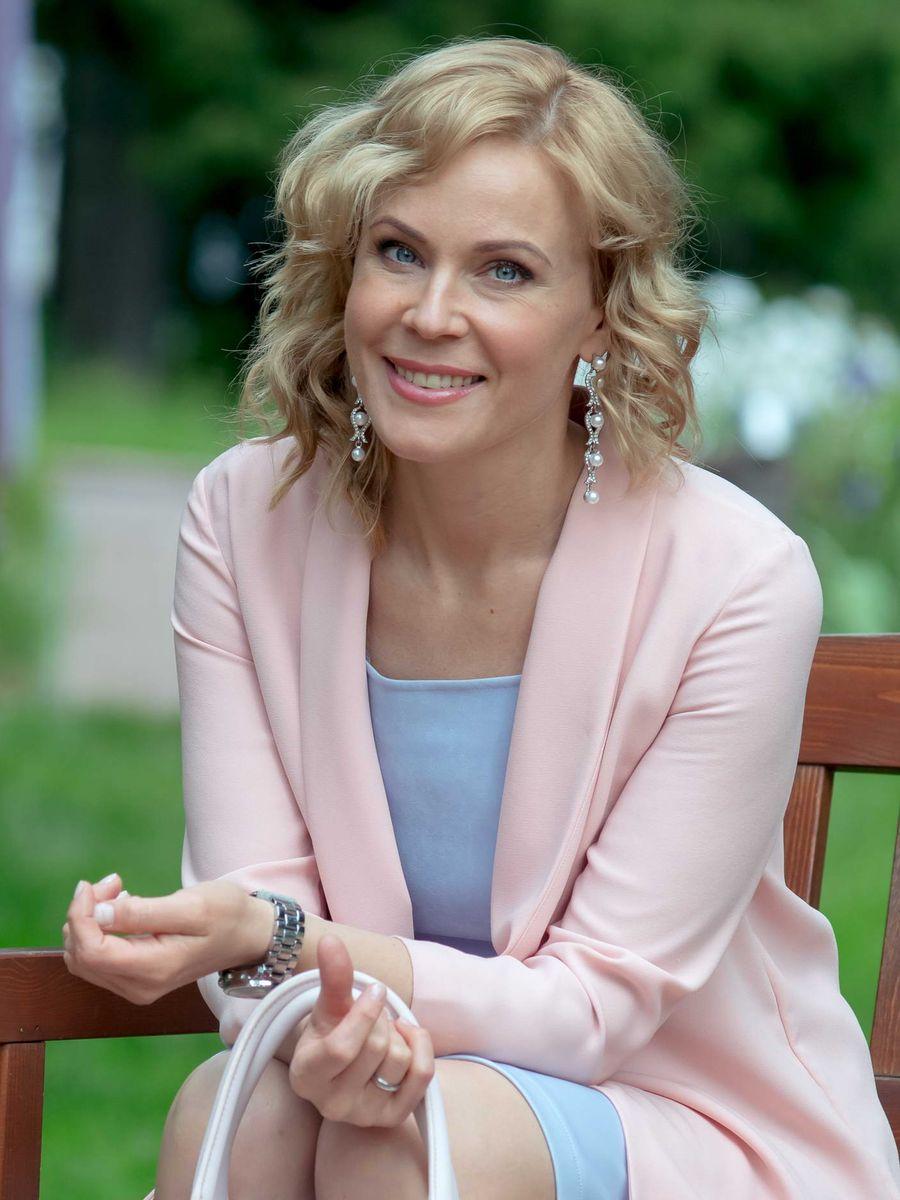 rossiyskaya-aktrisa-fotku-smotret-onlayn-porno-mezhdu-grudey-foto