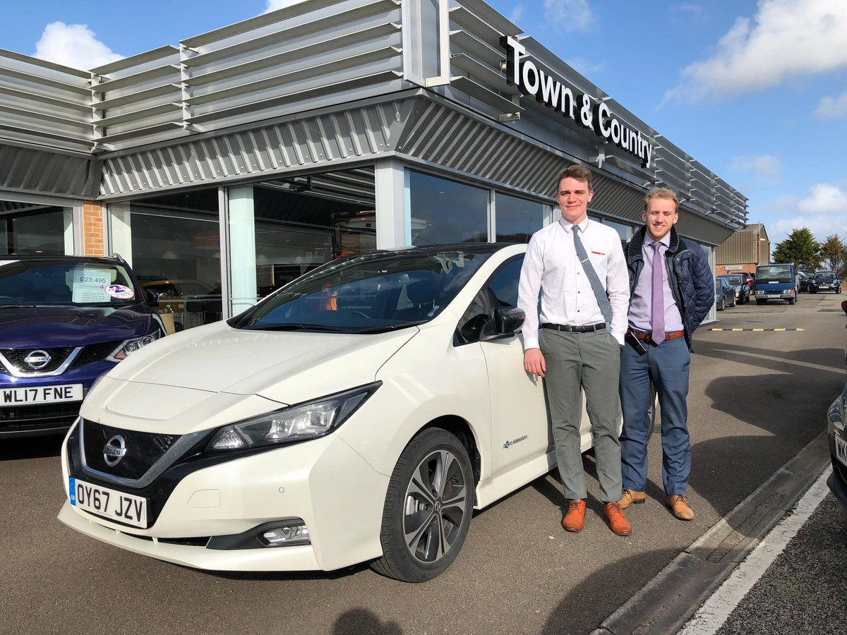 Our final dealership before finally reaching Land's End - @truronissan! Thanks for having us on our #Nissan #LEAF tour, always nice to see you! https://t.co/YGuowftd6k https://t.co/Q5s3INhQWO