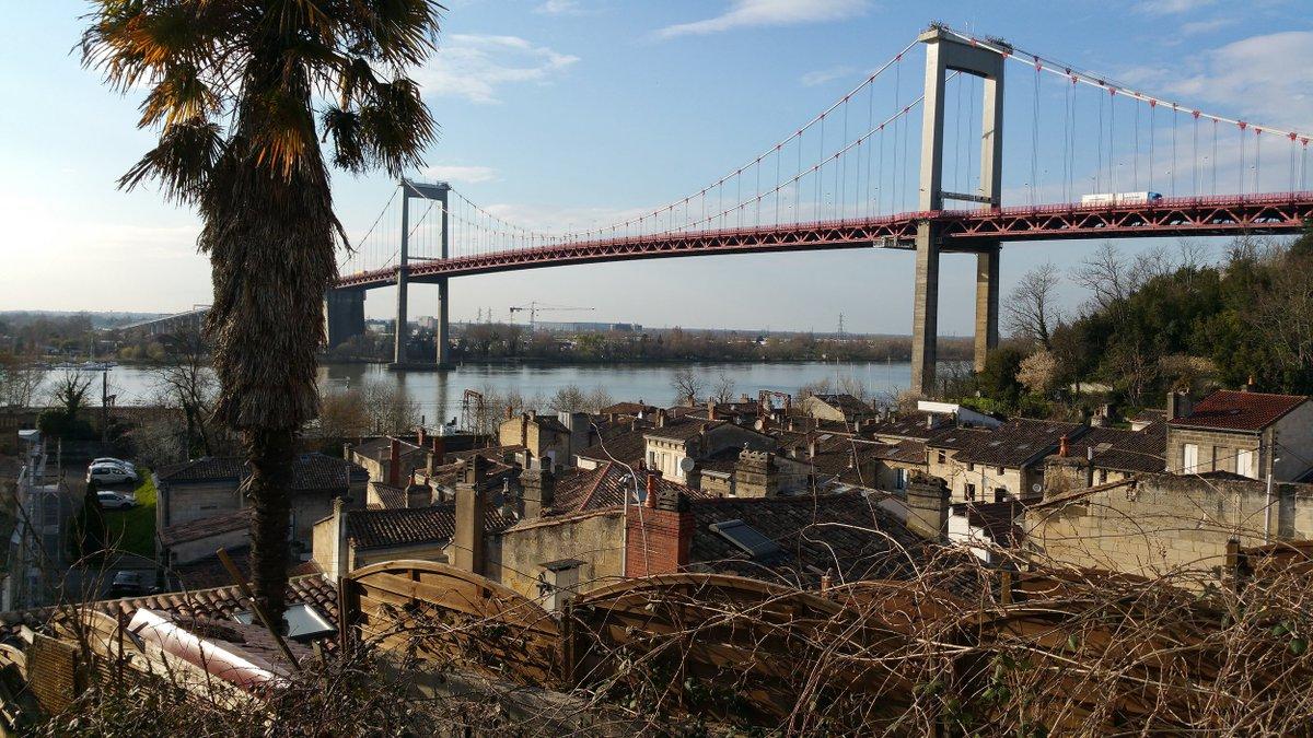 Du mercredi 21 au vendredi 23 février, de 21h à 6h, le pont d'Aquitaine sera fermé pour des travaux d'entretien. Les usagers seront déviés par la rocade, via le pont François Mitterrand. #déviation #pontdaquitaine #bordeauxrivedroite #Bordeaux #Bordeauxmétropole #Lormont #Gironde https://t.co/prFL45itRg