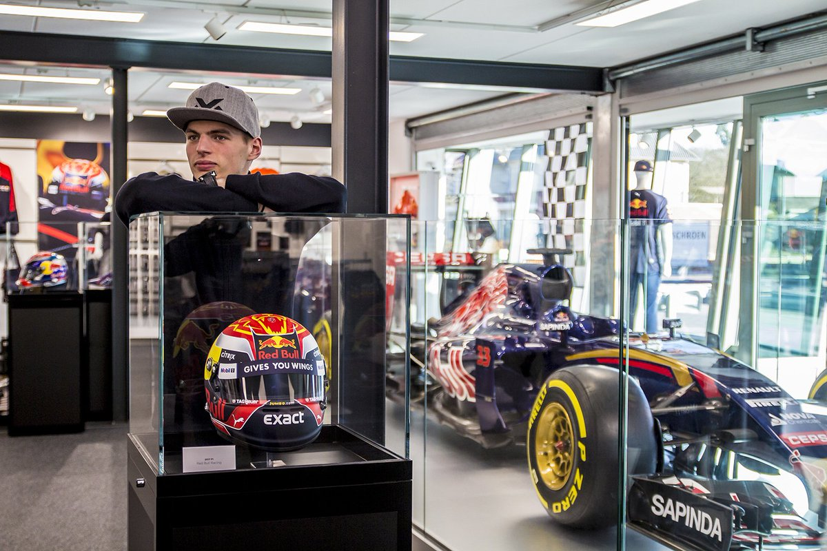 max verstappen on twitter made a quick stop at the max verstappen store today new caps are