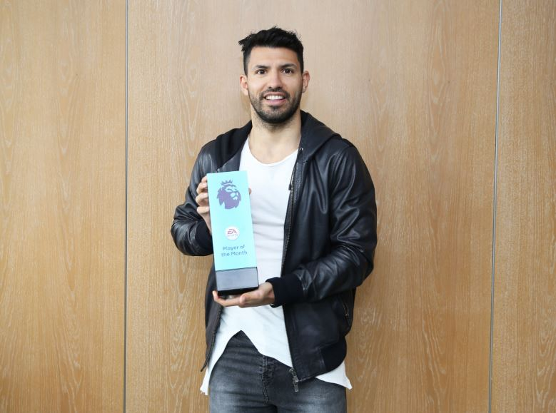 Congratulations to @aguerosergiokun on winning Januarys @EASPORTSFIFA @premierleague Player of the Month! 👑 #mancity