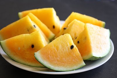 It's #WatermelonWeekend! Check out this yellow watermelon - talk about an exciting colour change! Credit: Kirbie's Cravings https://t.co/OCipi9tx7F