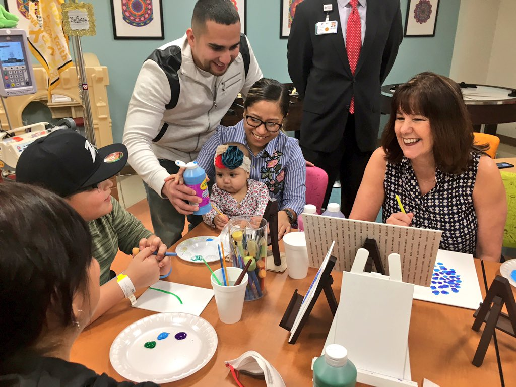 Great visit at Methodist Childrens Hospital in San Antonio, TX where I met the art therapist & children participating in the @tracyskidsdc art therapy program. So inspired by their stories--#ArtTherapy is making a difference in their lives.