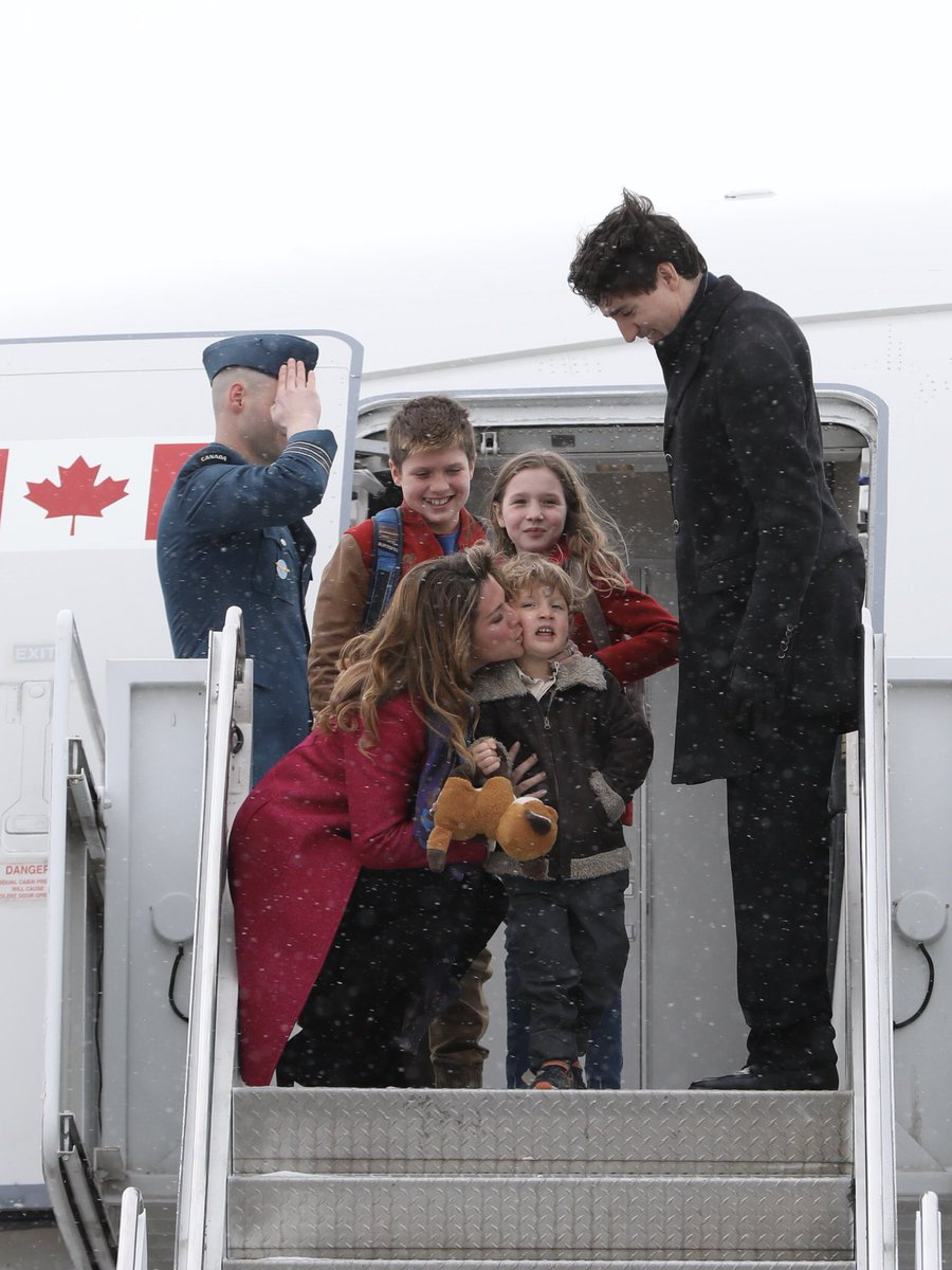 Wheels up for India and a busy visit, focused on creating good jobs and strengthening the deep connection between the people of our two countries. 🇨🇦🇮🇳 https://t.co/Jg6UmL9y4S