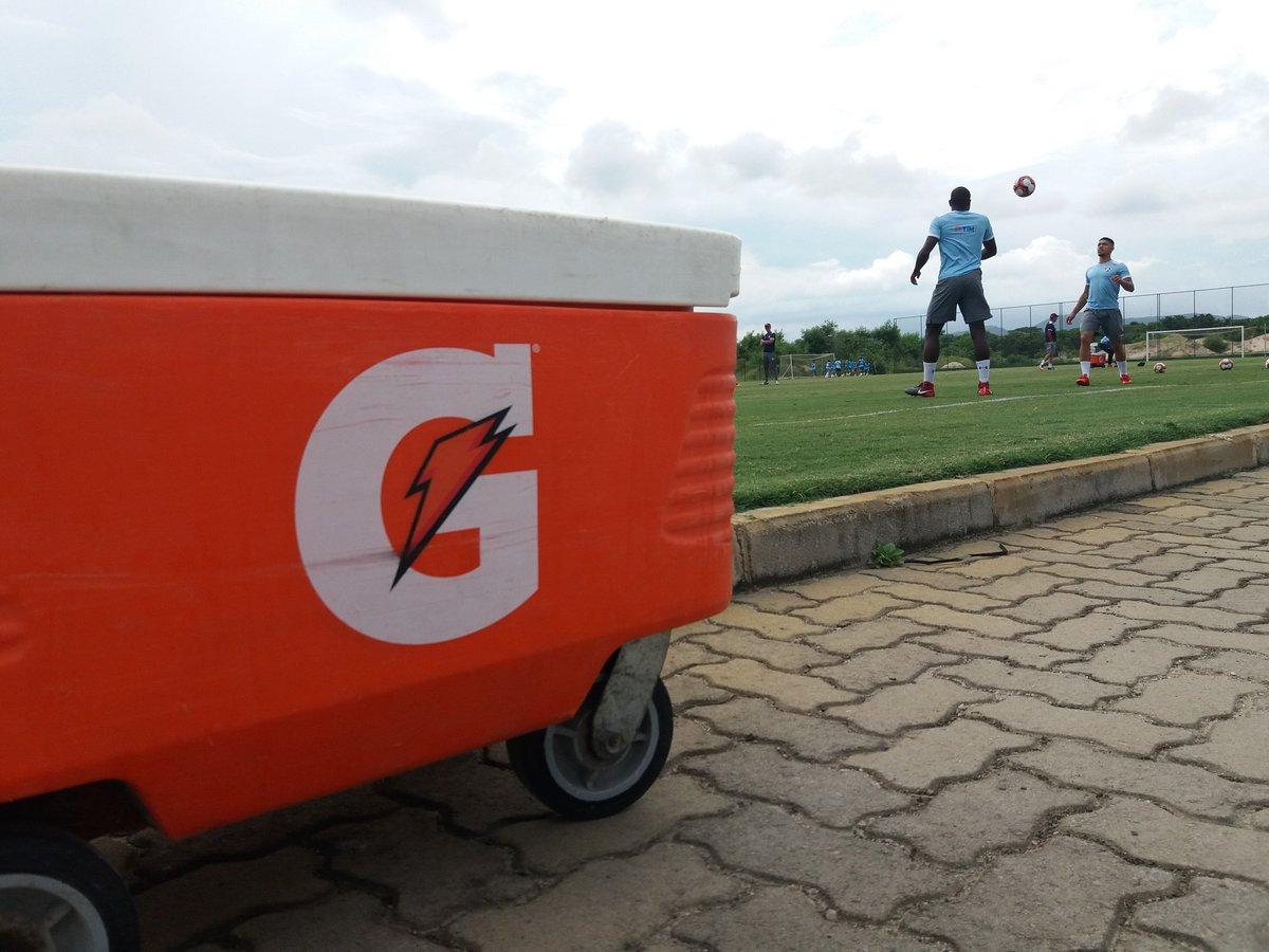 Jogadores vindo a campo. #VamosFluzão ht...