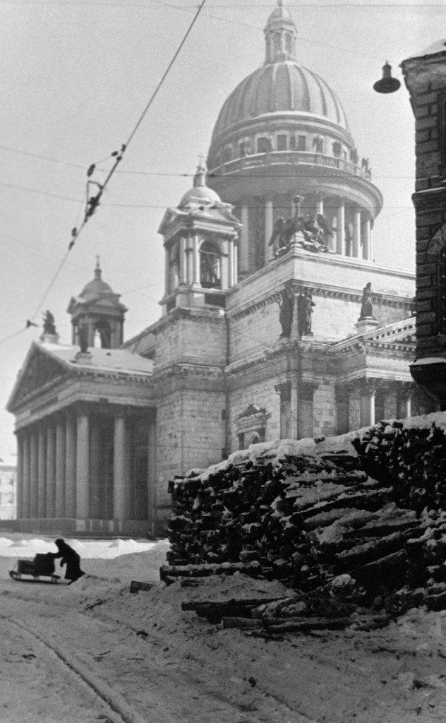 поверхности исаакиевский собор во время блокады фото цветок кажется