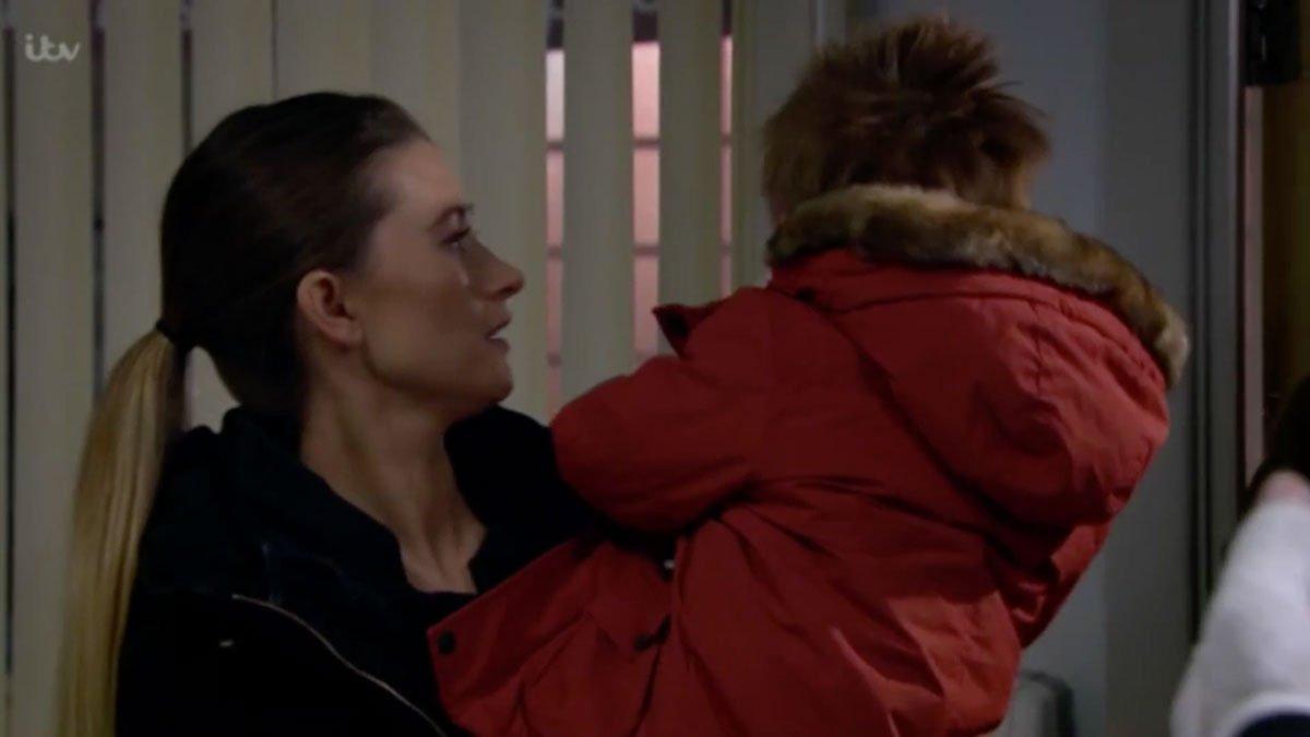 #Emmerdale fans in tears as Ross' son fa...