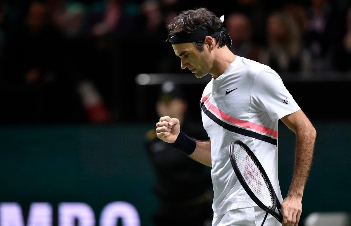 test Twitter Media - #TENNIS #ROTTERDAM  C'est fait pour @rogerfederer ! 🇨🇭🔥🍾1⃣  Après son succès contre @robin_haase (4-6 / 6-1 / 6-1), en 1/4 du #RotterdamOpen, le #Suisse retrouve le trône de l'@ATPWorldTour !  Il deviendra lundi le n°1 mondial le plus âgé de l'histoire ! https://t.co/W8ZEra9OxH