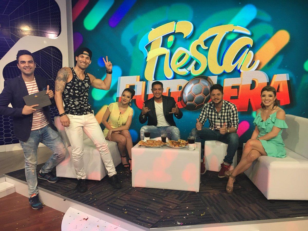 ¡ASÍ SE VIVE LA #FiestaFutbolera! 🎉⚽️