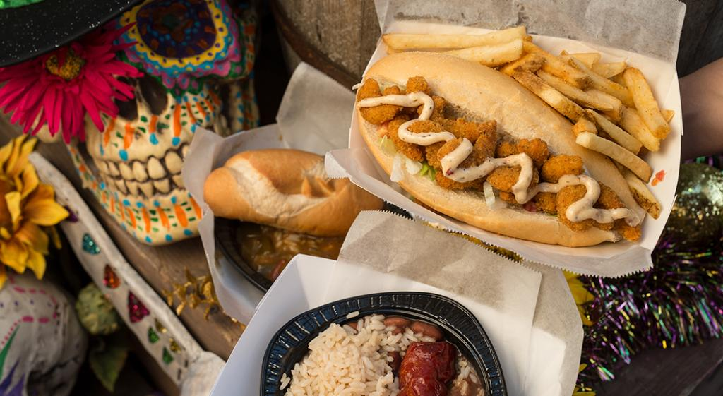 Check out the delicious #UniversalMardiGras grub this year at https://t.co/k3hcI15aAF