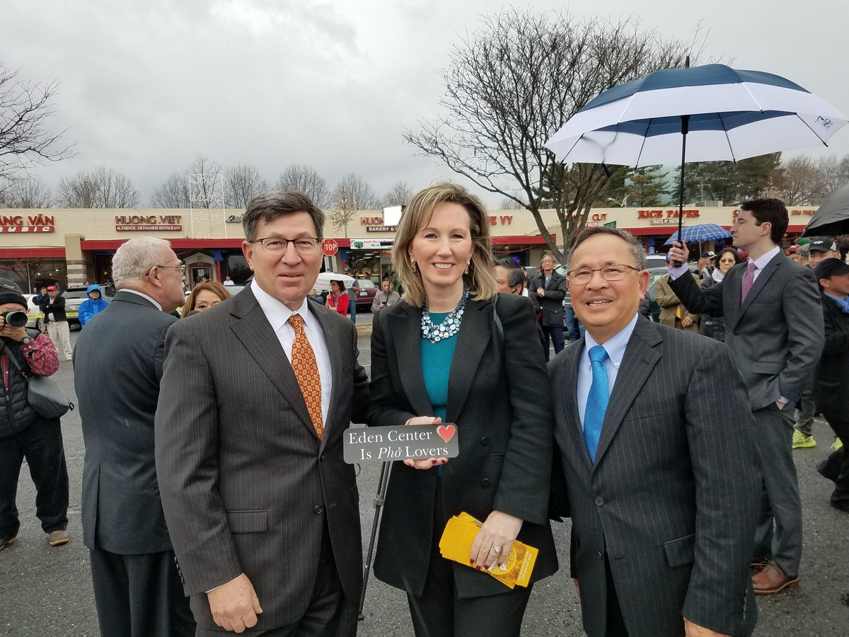 barbara comstock on twitter joined our vietnamese friends earlier today to celebrate the lunar new year and the year of the dog chuc mung nam moi