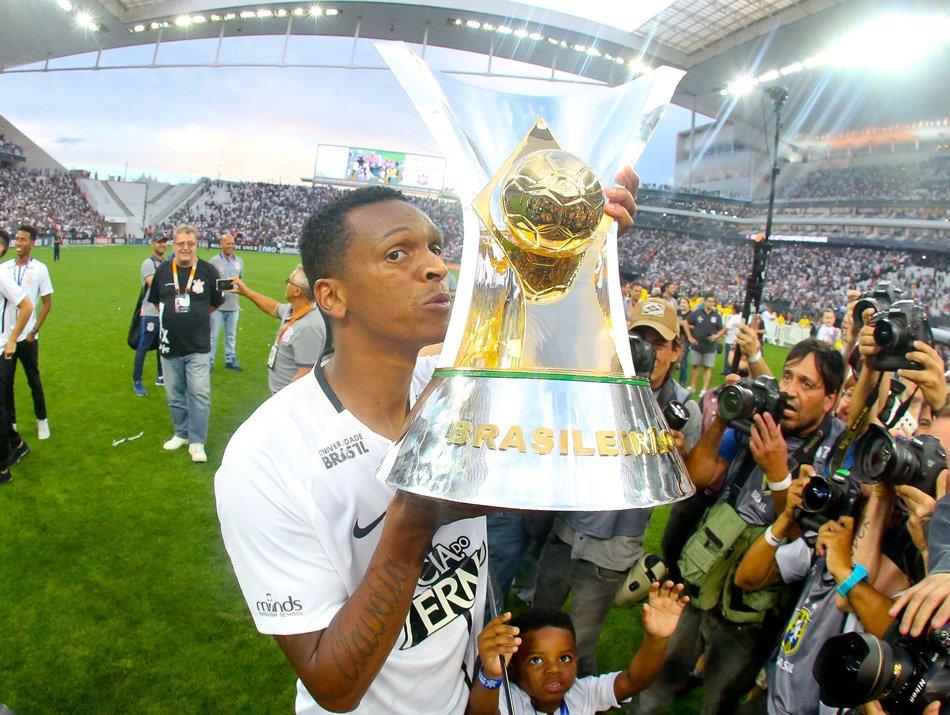 """Viu essa? Jô elogia o Galo e diz que o """"Corinthians sempre vai ter a preferência"""" em possível retorno  ↪ https://t.co/HYMDFqKwpk"""