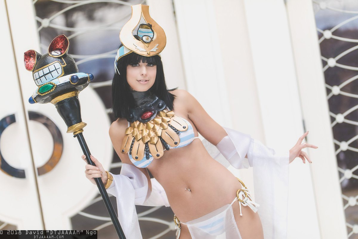 dtjaaaam on twitter menace from queen s blade cosplayer