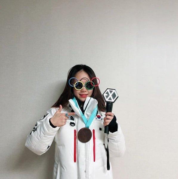 Can you guess who speed skater Jiwoo Park #KOR is a fan of? 😁😁😁@weareoneEXO #EXO #Kpop
