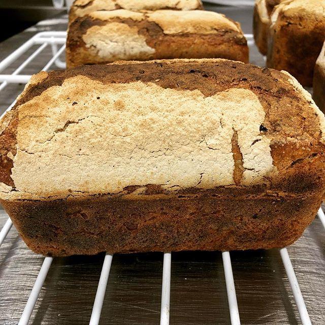 1st batch of #ryesourdough. Dark and lovely. Where is the butter. #sourdoughcourse @pettigrewbakes  http:// ift.tt/2od546o    <br>http://pic.twitter.com/Hmi5nzJJzh