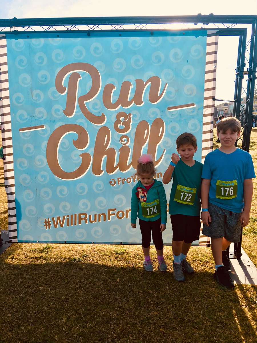 Finally got the kiddos to join me for a run! Of course, they #WillRunforFroYo! @131Events #FroYo5k