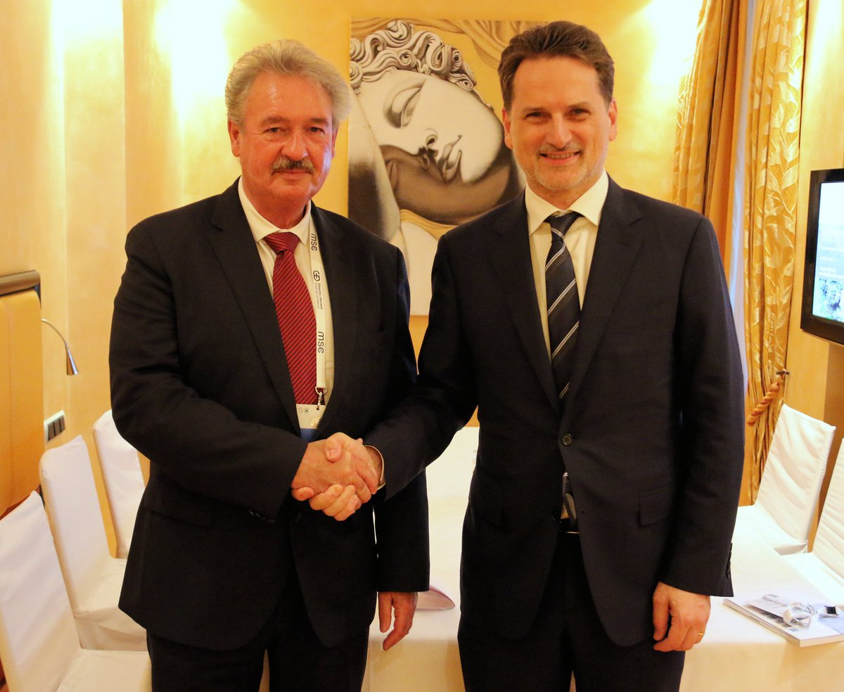 Meeting @PKraehenbuehl in margins of #MSC2018, FM Jean #Asselborn renewed #Luxembourg's full support to crucial work of @UNRWA for #Palestine refugees in #MiddleEast & highlighted importance to #FundUNRWA as it faces unprecedented financial crisis