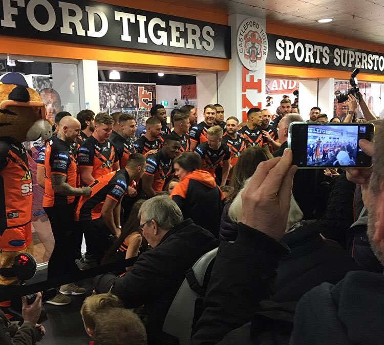 Did you come along to yesterday's @XscapeYorkshire store launch and Tigers Takeover event? Share your photos with us here using #Tigerstakeover <br>http://pic.twitter.com/Q7DIJWiP8q