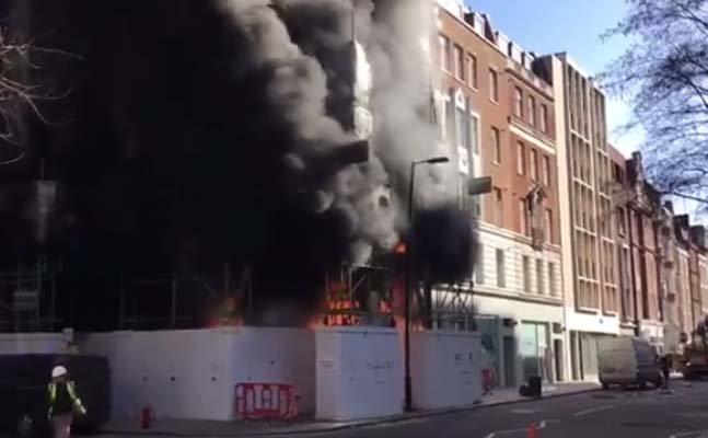 BREAKING: Huge fire breaks out on St Portland St in central London  https://t.co/W4oKy9coni https://t.co/liCMBL2tD9