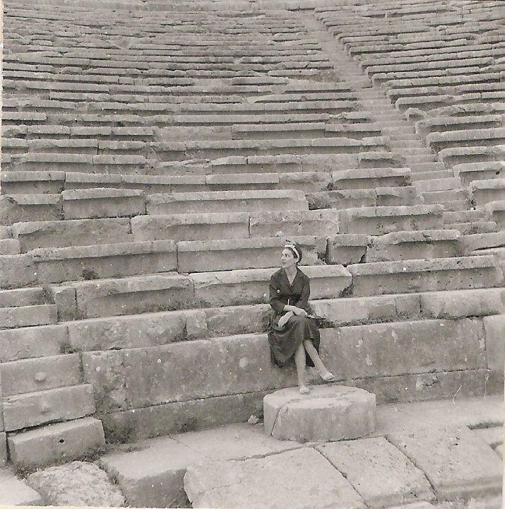 RT @Inanna_Aussenac: Maria Callas at the ancient theatre of Delphi, 1959 https://t.co/HNAcYdgqP7