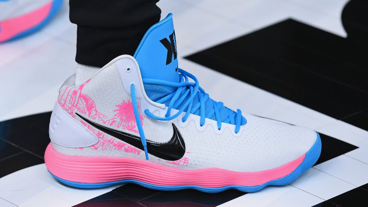 ebd1b3434ece solewatch kevinlove is healing up but still rocked these nike react  hyperdunk pes during all star