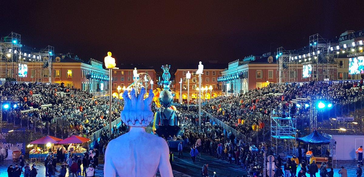 La place Massena est prête pour accueillir le Roi de l'espace du #NiceCarnaval 2018 ! #ILoveNice