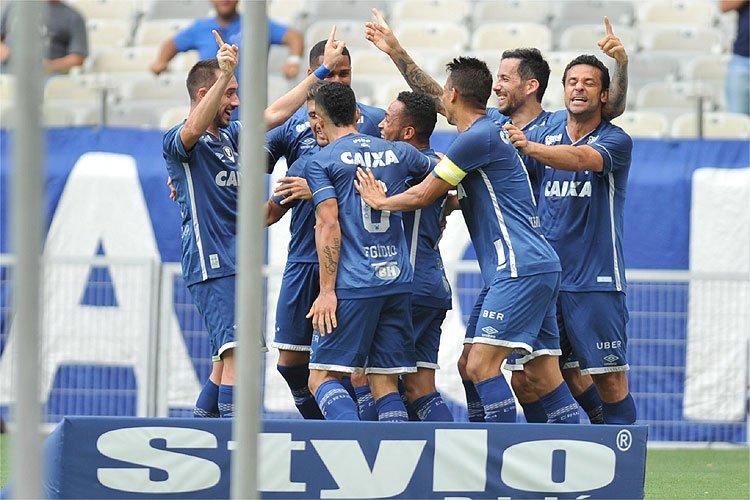 Com mais um gol para a conta de artilheiro, Cruzeiro vence Villa Nova e dispara na liderança do Campeonato Mineiro https://t.co/ZldT5pHwlr