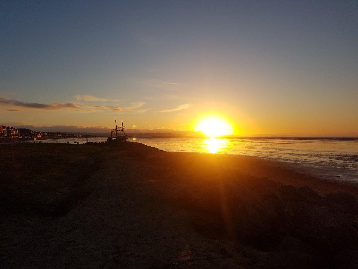 #Hoylake #Sunset https://t.co/aMYknPfQWN