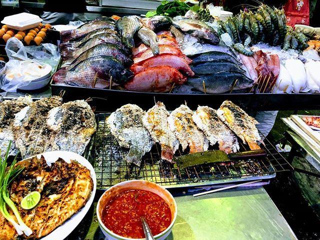 test Twitter Media - Fishy Fish!  #Thailand #Fish #StreetFood #Bangkok #SeaFood #Foodie #FoodLover #FoodBlogger #FoodPorn #Travel #travelife #travelersnotebook #travelblogger #traveler #Food #foodblog #ThaiFood https://t.co/NtWcJGflI5 https://t.co/DekoKaTA3x