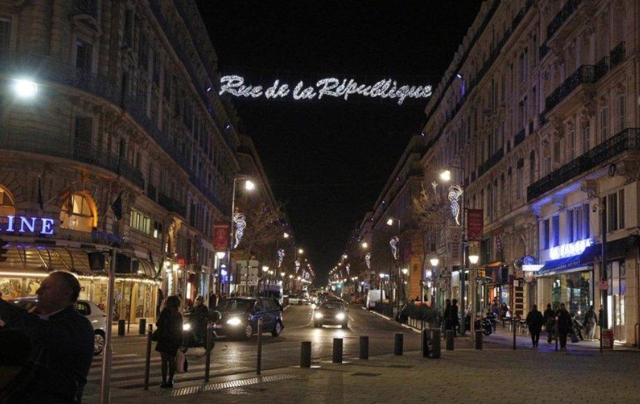 #Marseille : la rue de la République attend son avènement 😍https://t.co/jd1D7Oo4cm