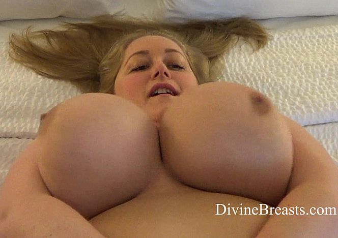 Reyna Soft #bigtits Jiggling see more at https://t.co/0rYD3j8sjJ https://t.co/T2UAxR0GFo